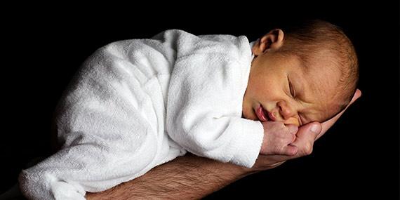 Výbava pro miminko – co koupit před porodem a co počká?